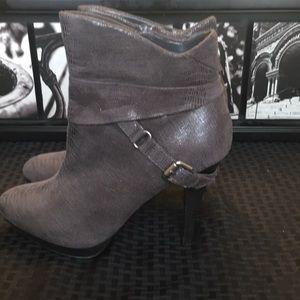 💥Kelly & Katie Heeled Boots 💥